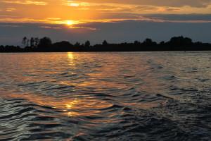 Giethoonsche Meer ondergaande zon